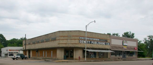 DeWitt Publishing Company