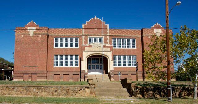 Mineral Wells High School