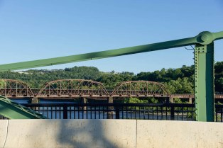 Railroad bridge over Delaware from Northampton Street Bridge