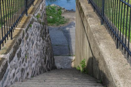 steps-down-to-river