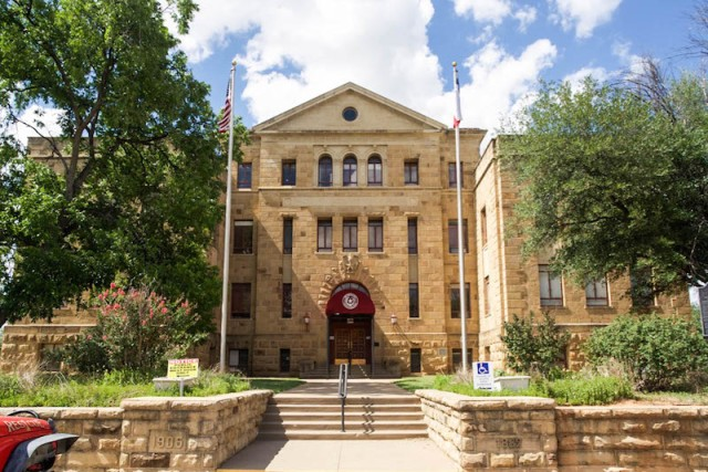 Palo Pinto County Courthouse Main entrance