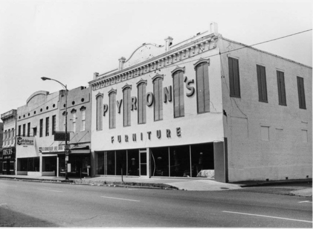 500 block in 1979.jpg