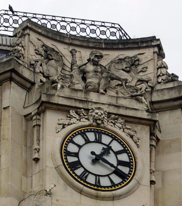 Clock detail Trafalgar