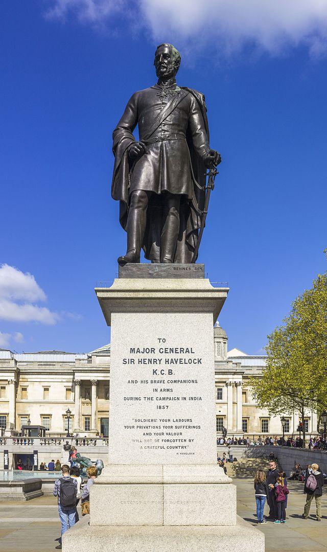640px-UK-2014-London-Statue_of_Henry_Havelock